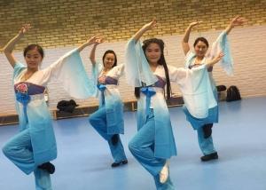 The Jasmin Flower Dancing Team